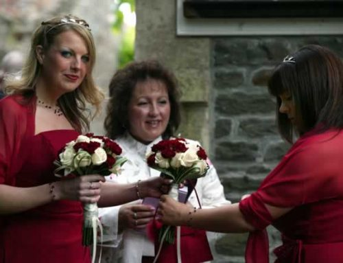 Hot Trends for Vow Renewal Attendants