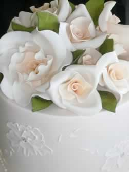 Selecting Your Vow Renewal Cake