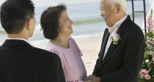 How to Organize a 50th Wedding Anniversary Vow Renewal Ceremony