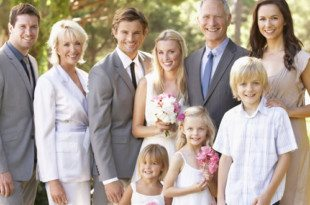 Ways to Incorporate Family into Your Vow Renewal