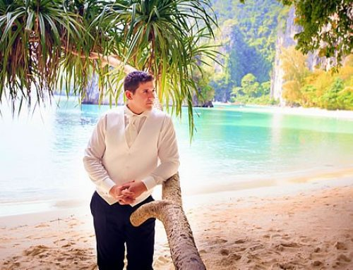 Guys Guide: What to Wear for Your Beach Vow Renewal