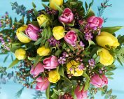 Tulip centerpiece for your vow renewal